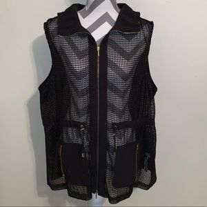 Chico's Zenergy Mesh Lined Front Solid Back Vest.